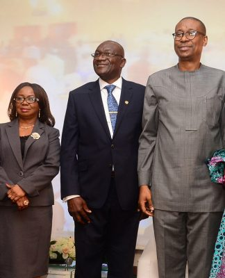 L-R, Past President, Chartered Institute of Stockbrokers ( CIS), Mr Olutola Mobolurin, Acting Director General, Securities and Exchange Commission, Ms Mary Uduk, President, Chartered Institute of Stockbrokers (CIS), Mr Adedapo Adekoje, Representative of the Vice President, Prof. Yemi Osinbajo and Minister, Trade, Industry and Investment, Dr Okechuku, Enelamah, Executive Secretary, Nigerian Investment Promotion Commission, Ms Yewande Sadiku at Chartered Institute of Stockbrokers' interactive forum with Vice President in Lagos recently