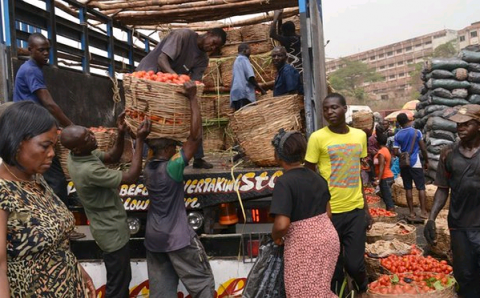 Northern traders agree to lift ban on food supply
